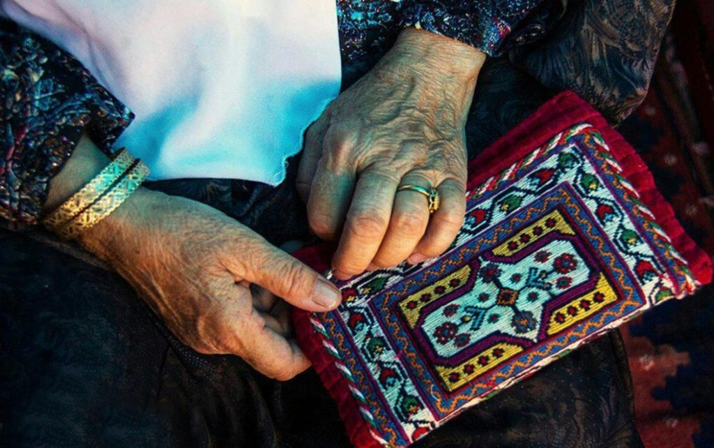 Qeshm Traditional Rugs and Embroidery